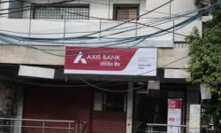 Bank in GTB Nagar - Axis Bank